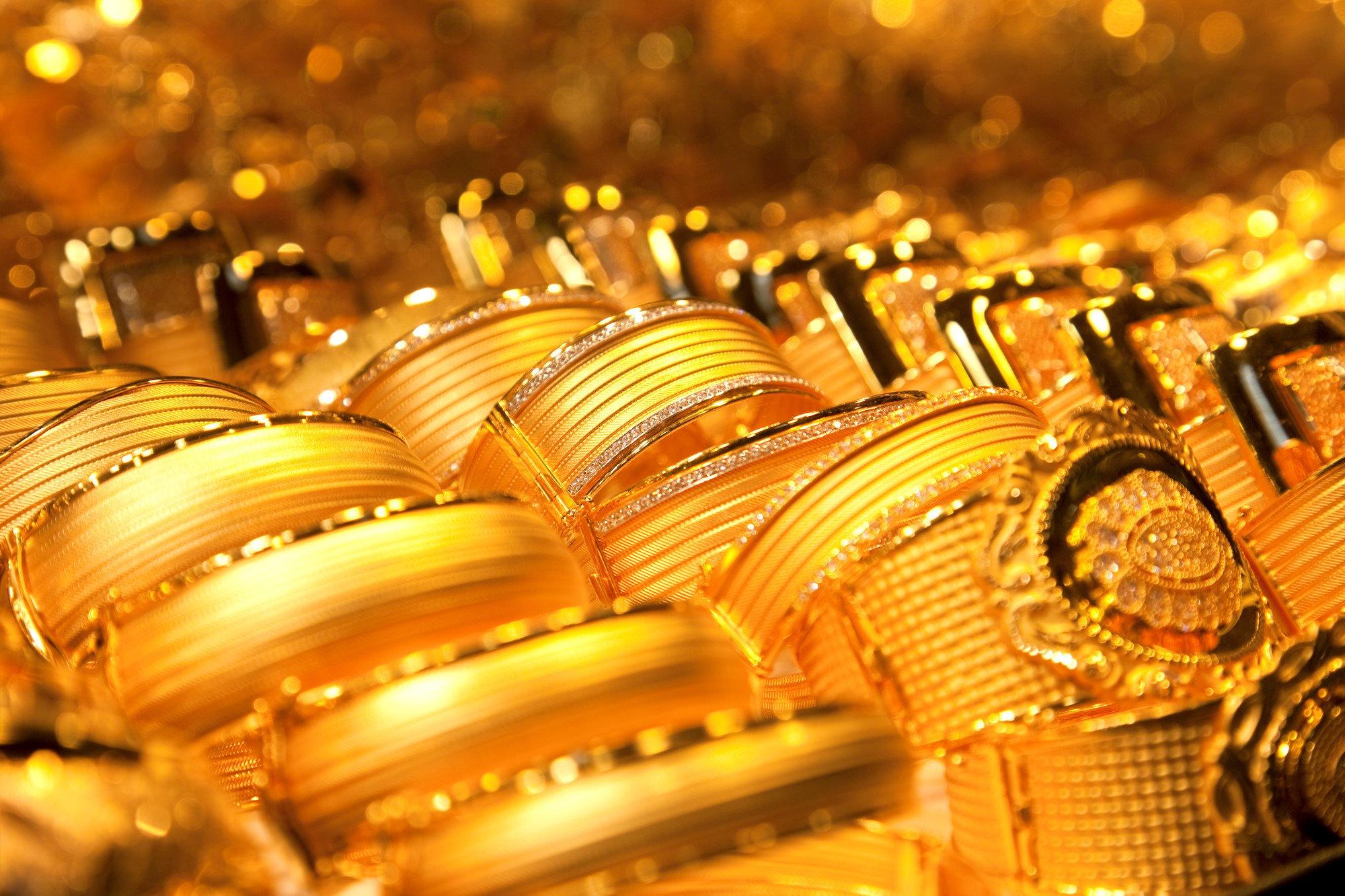 Giá vàng thế giới tăng mạnh gần 15 USD 1