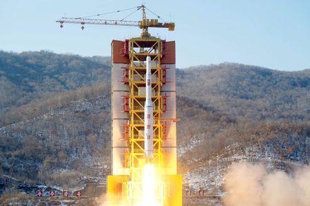 Vệ tinh Kwangmyongsong-4 của Triều Tiên không thể truyền tín hiệu về mặt đất 1