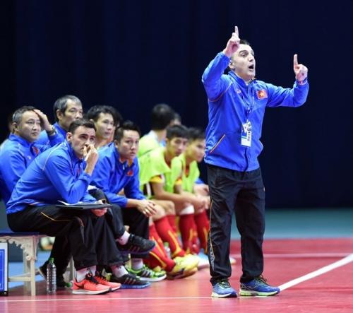 HLV Bruno chỉ ra nguyên nhân thất bại của ĐT Futsal Việt Nam 1