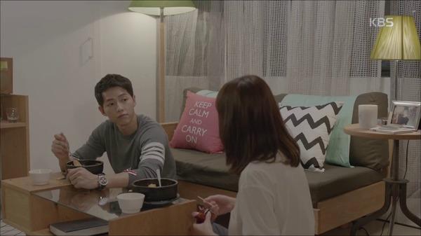Hậu Duệ Mặt Trời tập 2: Song Joong Ki nói lời tạm biệt Song Hye Kyo sau buổi hẹn hò đầu tiên 5