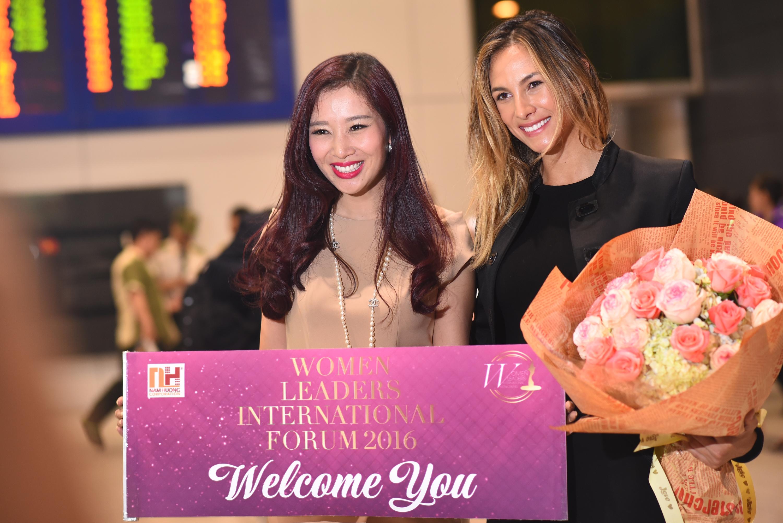 Hoa hậu Venezuela rạng rỡ tại sân bay TP. Hồ Chí Minh 5