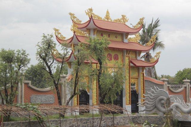 Nghệ sĩ Hoài Linh cho dừng thi công nhà thờ Tổ trăm tỷ 1