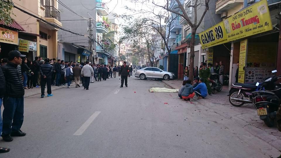 Thông tin mới vụ xe Camry gây tai nạn ở Long Biên: Cháu bé vừa tử vong 1
