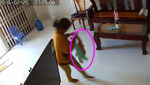 Bé trai 8 tháng tuổi bị giúp việc bạo hành tàn nhẫn 3