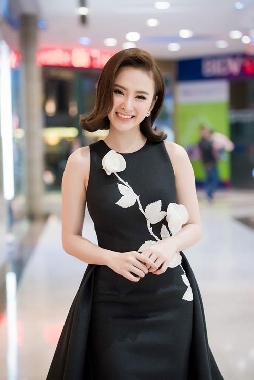 Hình ảnh kín đáo hiếm thấy của Angela Phương Trinh đi sự kiện 3