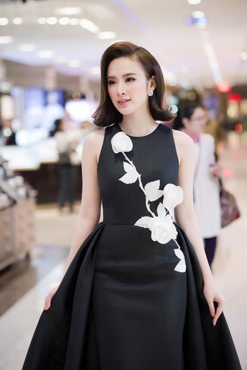 Hình ảnh kín đáo hiếm thấy của Angela Phương Trinh đi sự kiện 4