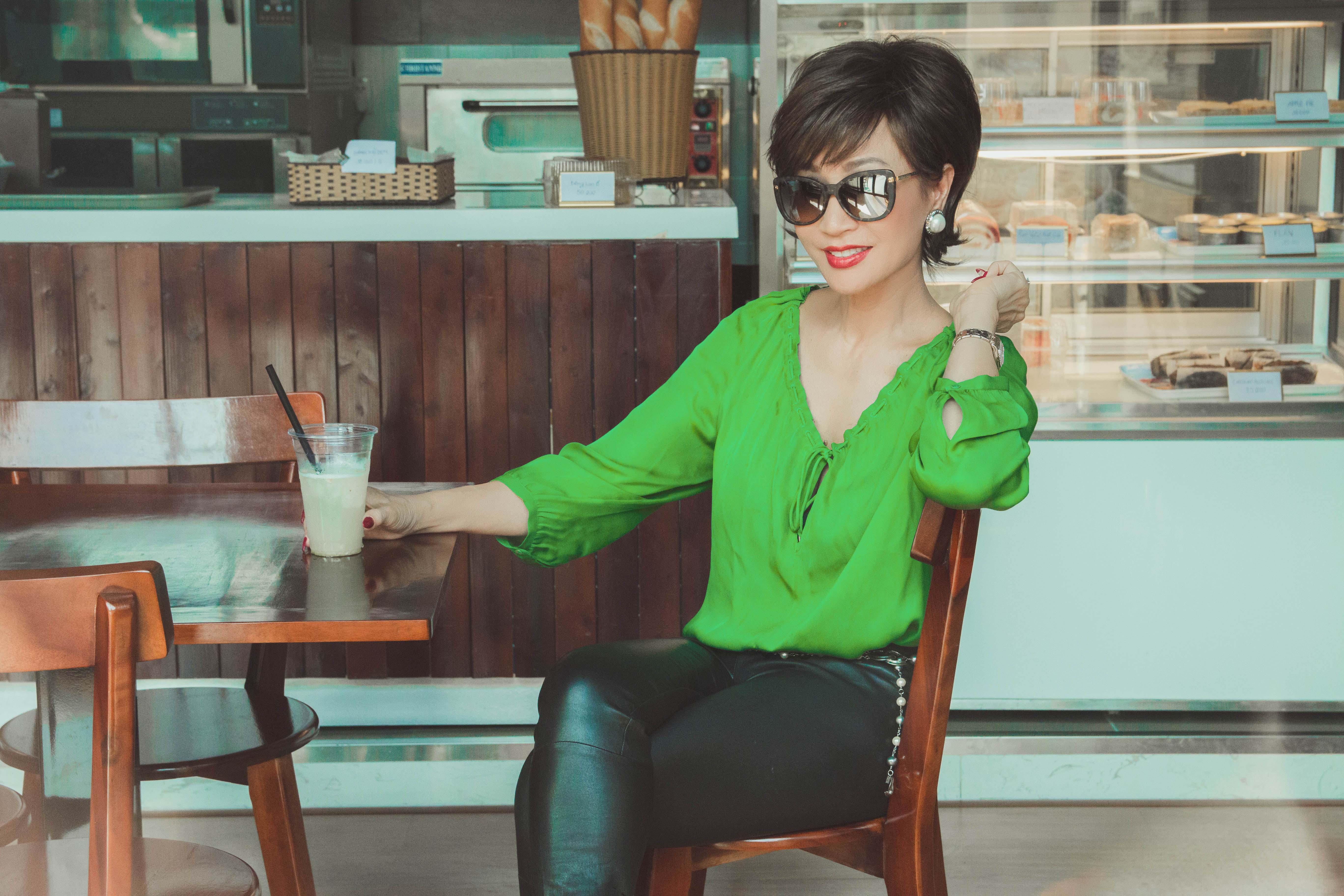 Vẻ đẹp đáng ngưỡng mộ của Diva Khánh Hà ở tuổi 64 7