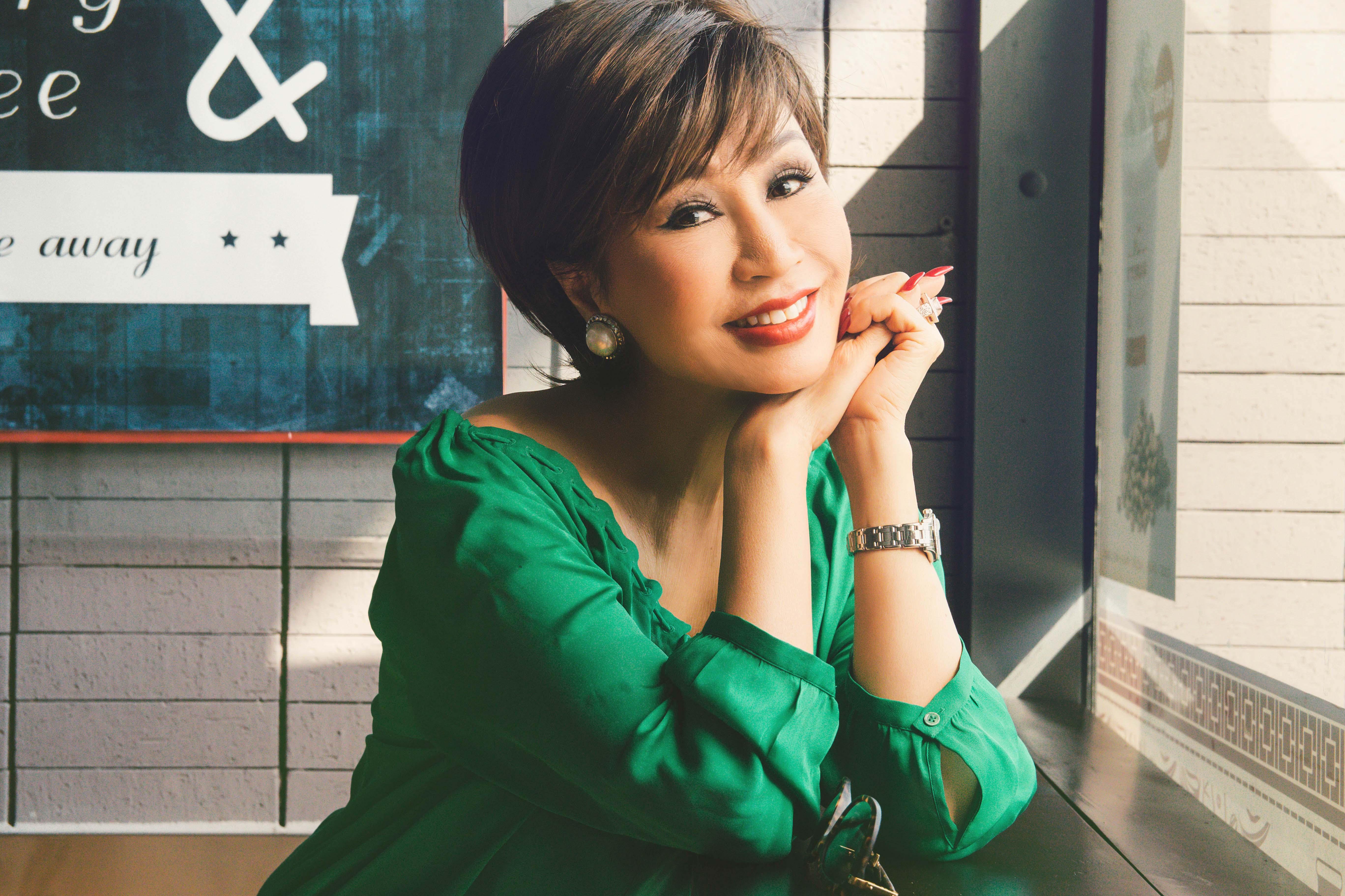 Vẻ đẹp đáng ngưỡng mộ của Diva Khánh Hà ở tuổi 64 2