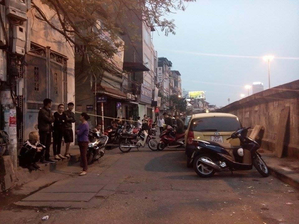 Hiện trường vụ taxi 'điên' đâm hai bà cháu thương vong ở Hà Nội 6
