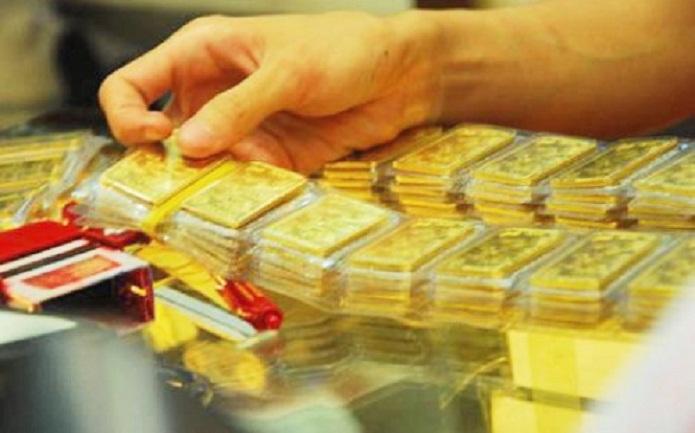 Giá vàng hôm nay 4/3: Vàng thế giới bật tăng mạnh, cao nhất hơn 1 năm 1