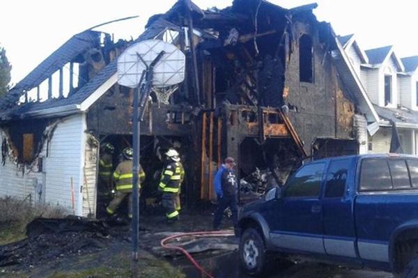 Bị đình chỉ học, 4 học sinh rủ nhau đốt nhà thầy hiệu trưởng 1