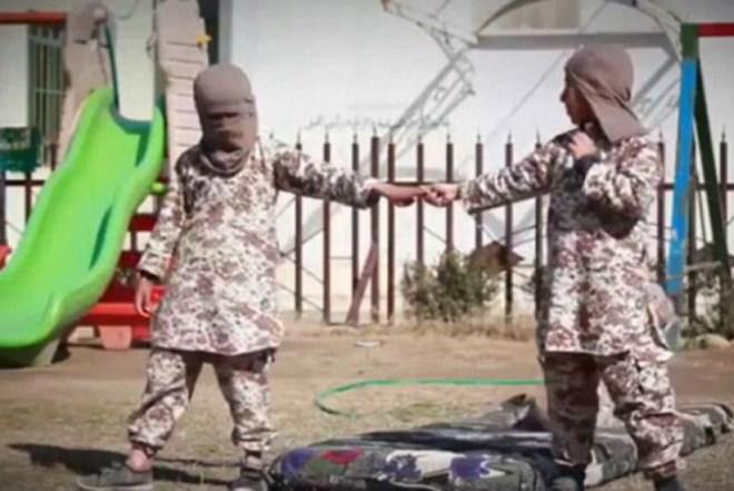 IS huấn luyện trẻ mồ côi thành chiến binh thánh chiến 1