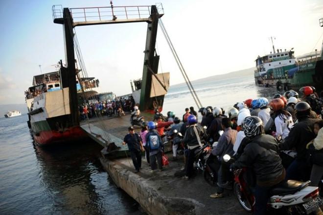 Chìm phà Bali, 10 người mất tích 1