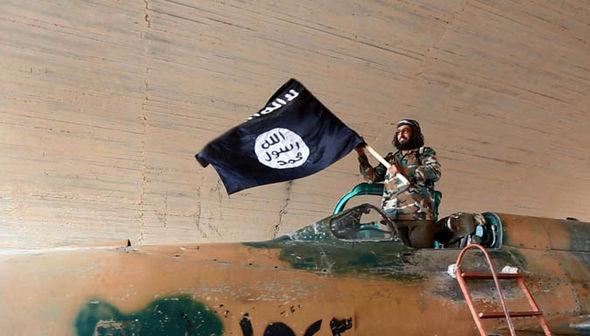 Ma dược mang lại triệu đô và biến chiến binh thành xác sống của IS 6