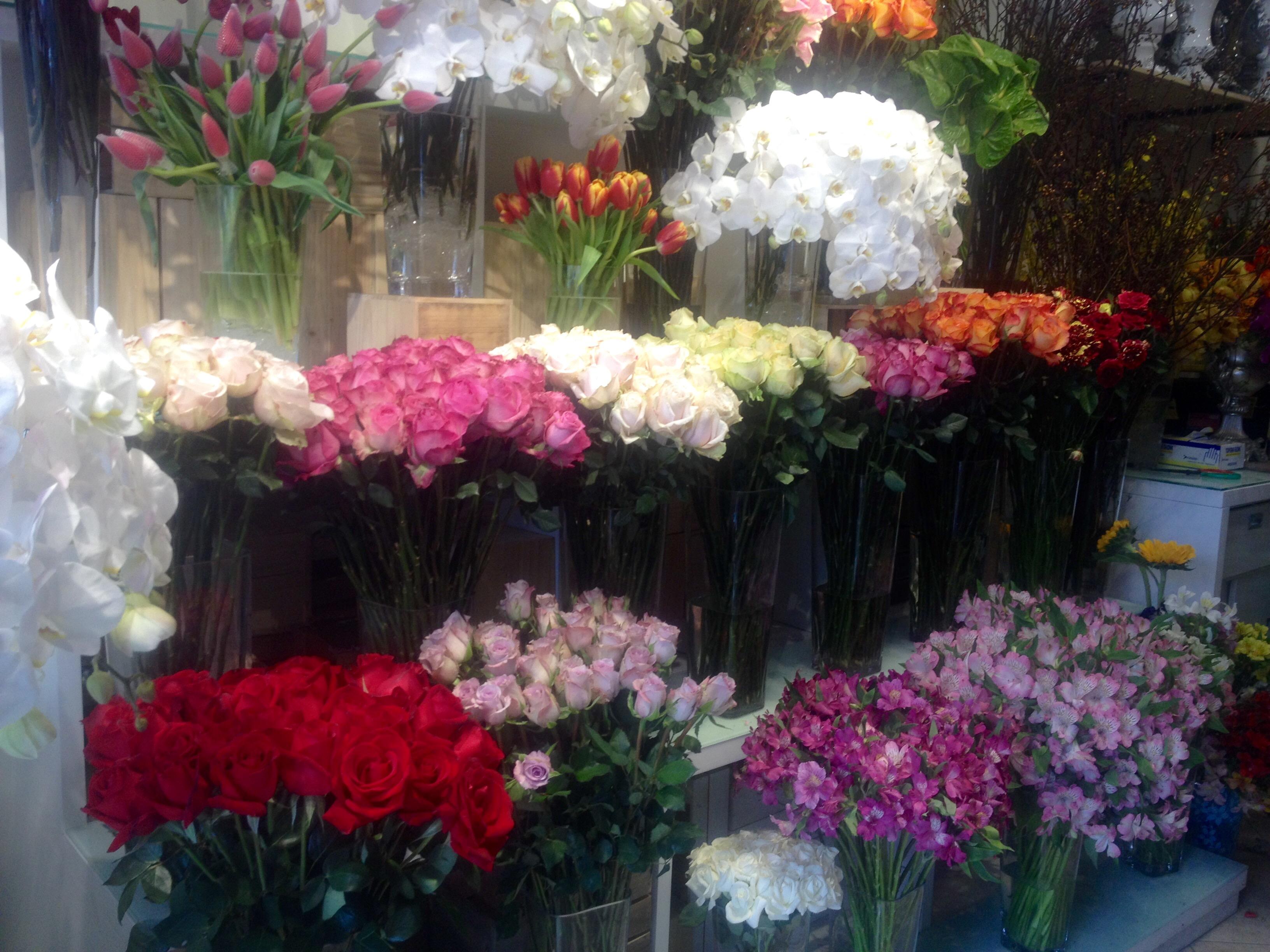 Những bó hoa 40 triệu đồng đại gia tăng người yêu ngày 8/3 2