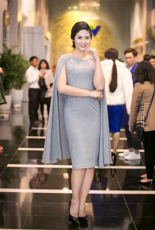 Sao Việt đẹp tuần qua: Tú Anh quyến rũ với gam hồng pastel dịu nhẹ 2