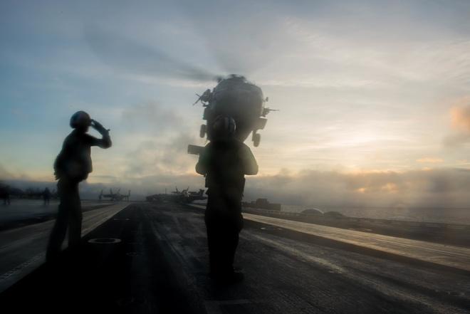 Chùm ảnh: Nhóm tàu sân bay Mỹ tuần tra trên Biển Đông 6