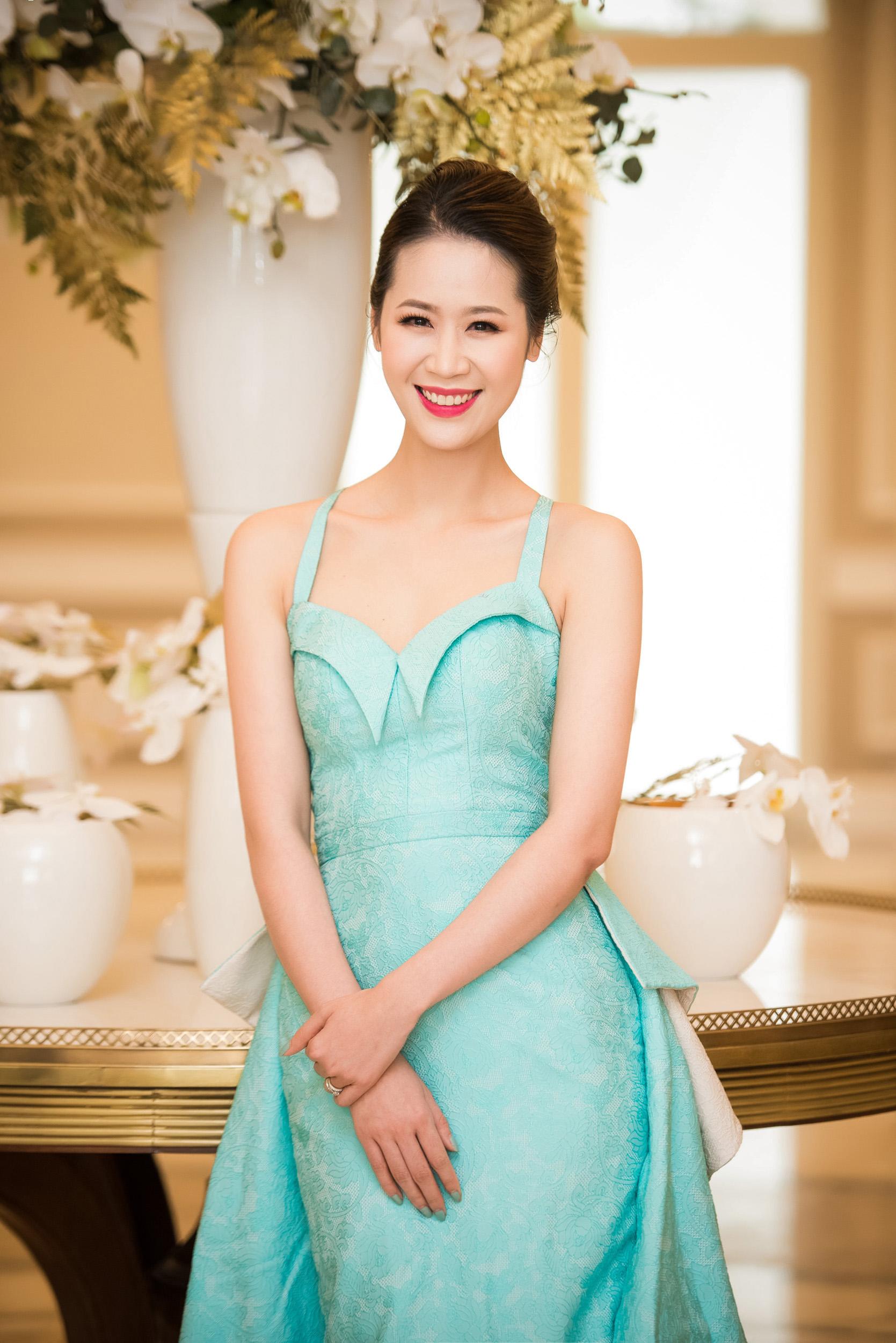 Dương Thùy Linh đọ sắc bên Jennifer Phạm tại sự kiện 3