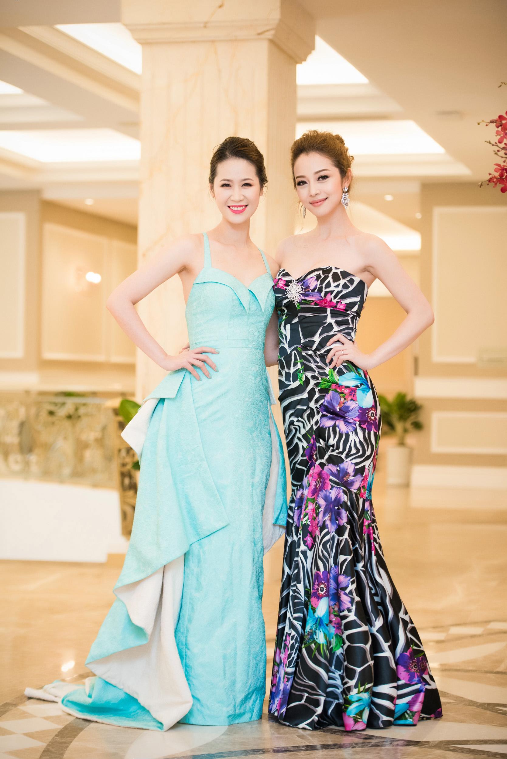 Dương Thùy Linh đọ sắc bên Jennifer Phạm tại sự kiện 7