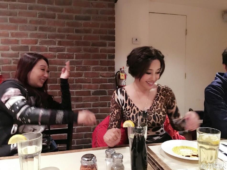 Lưu Hiểu Khánh ấn tượng với vẻ đẹp gợi cảm ở tuổi 65 2