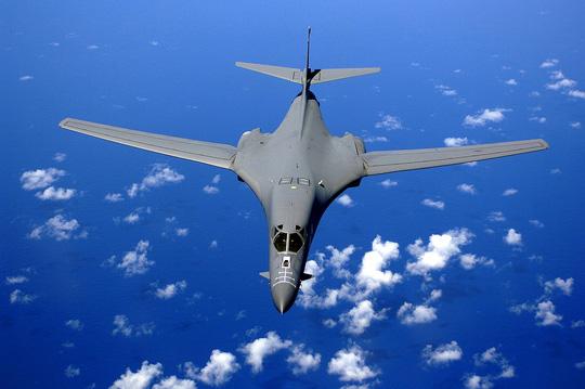 Mỹ tính đưa máy bay ném bom tầm xa B-1 đến gần Biển Đông 1