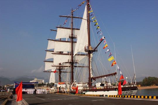 Hình ảnh tàu buồm hiện đại nhất thế giới trong ngày thượng kỳ 5