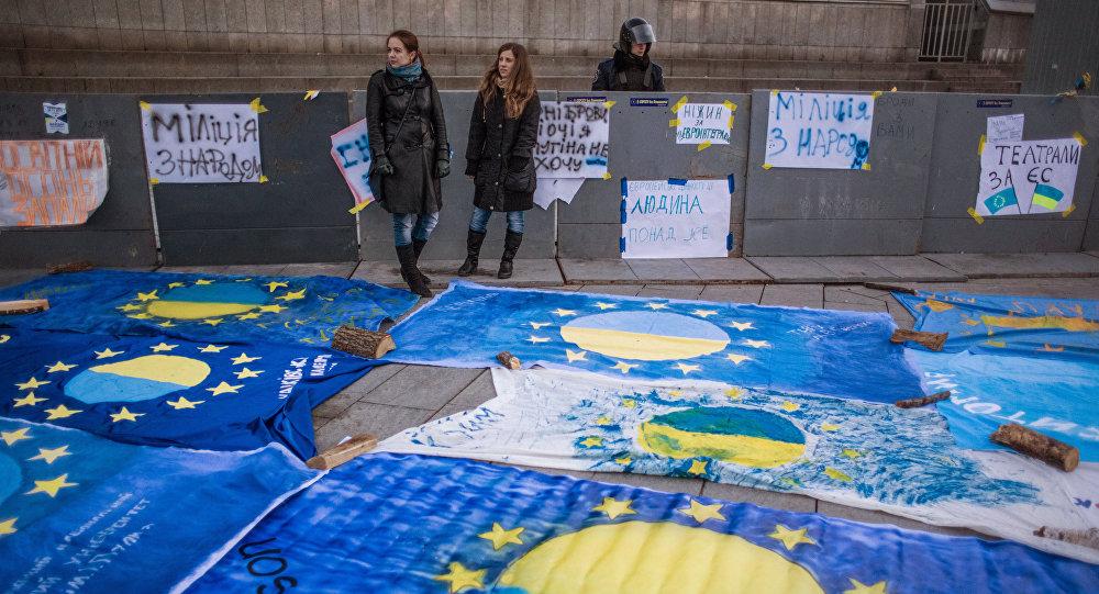 Ép Ukraine lựa chọn giữa Nga và EU là 'sai lầm lớn' 1