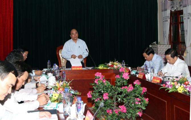 Phó Thủ tướng Nguyễn Xuân Phúc kiểm tra công tác chuẩn bị bầu cử tai Điện Biên 1