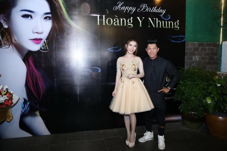 """Hoàng Y Nhung không muốn làm """"bình hoa di động"""" 4"""