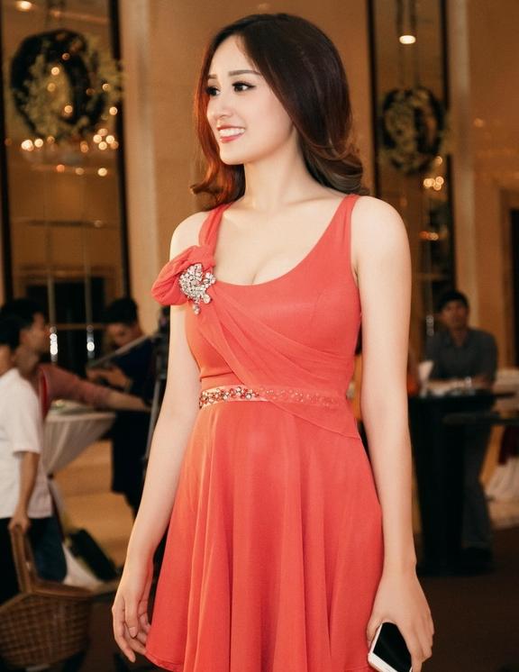Ngỡ ngàng nhan sắc của Hoa hậu Mai Phương Thúy sau 10 năm đăng quang 3
