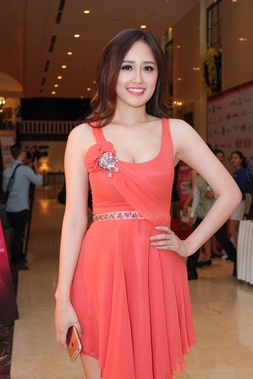 Ngỡ ngàng nhan sắc của Hoa hậu Mai Phương Thúy sau 10 năm đăng quang 4