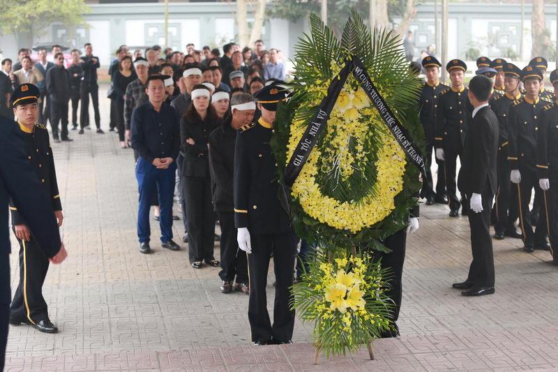 Nghẹn ngào lễ tang nhạc sĩ Thanh Tùng 17
