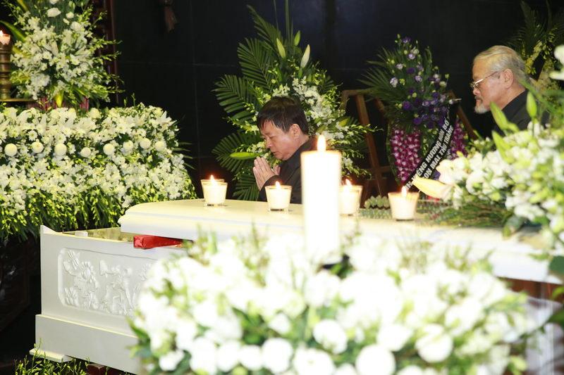 Nghẹn ngào lễ tang nhạc sĩ Thanh Tùng 11