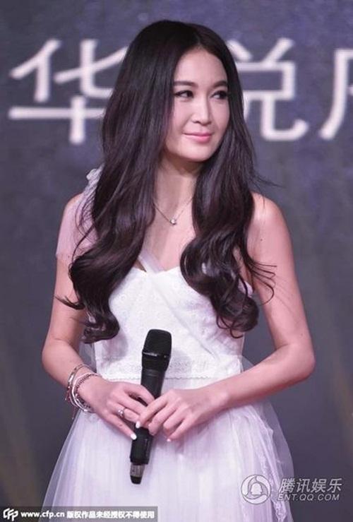 Nhan sắc trẻ như gái 18 của Ôn Bích Hà - Phan Kim Liên ở tuổi 53 2