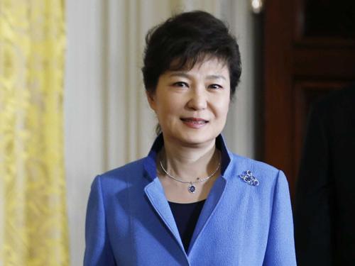"""Tổng thống Hàn Quốc, thủ tướng Thái Lan khen ngợi """"Hậu duệ mặt trời"""" 1"""