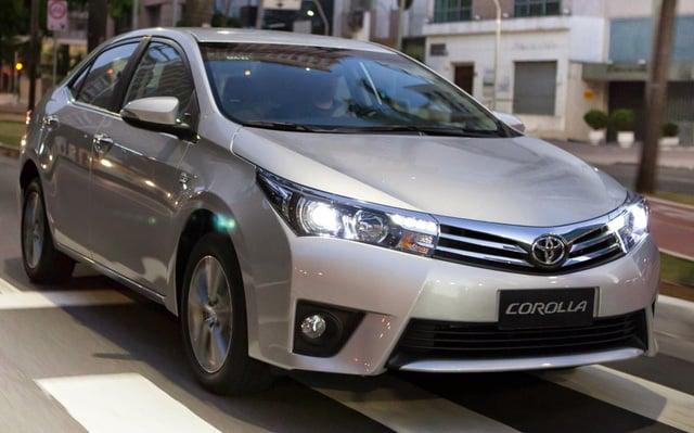 Hình ảnh Toyota Altis 2017 lộ diện những bức ảnh đầu tiên số 4