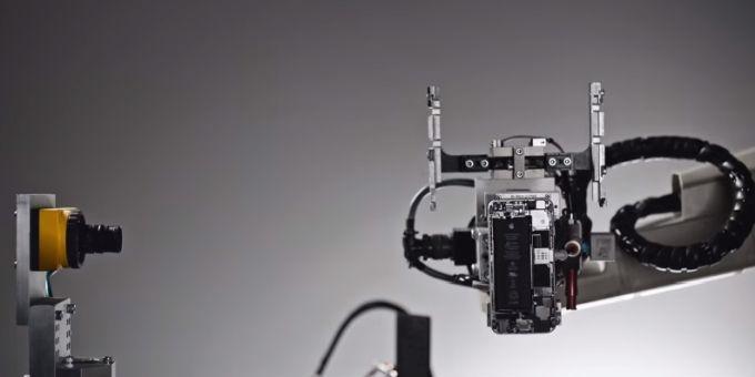 Ngạc nhiên với robot 'tháo banh' iPhone chỉ trong 11 giây 3
