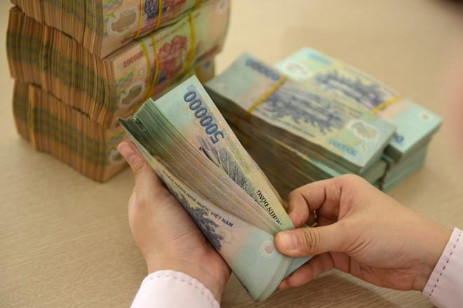 Choáng với mức lương 560 triệu/tháng của sếp công ty nhựa Sài Gòn 1