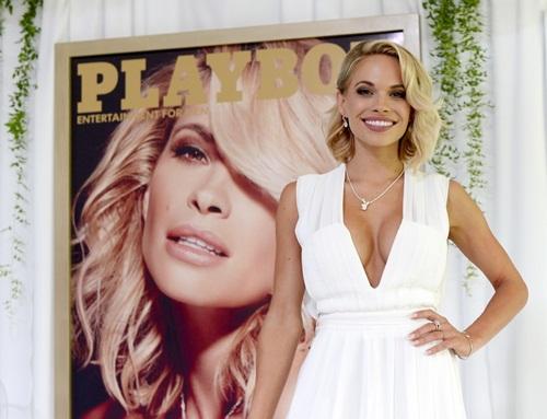 Qua thời kỳ đỉnh cao, tạp chí Playboy bị rao bán 1
