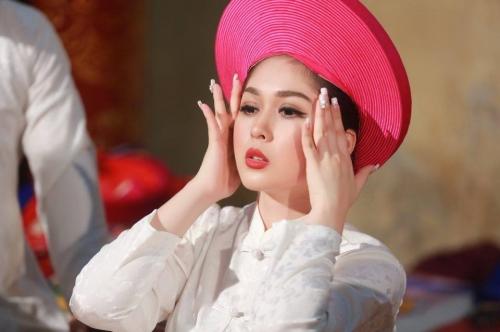 MC Đài Hà Nội hóa thân thành 'cô đồng xinh nhất Vịnh Bắc Bộ' 3