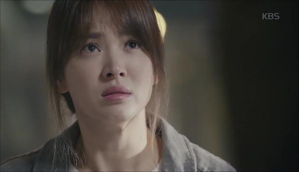 'Hậu Duệ Mặt Trời' tập 11: Song Joong Ki từ bỏ quân phục, liều mạng cứu Song Hye Kyo 5