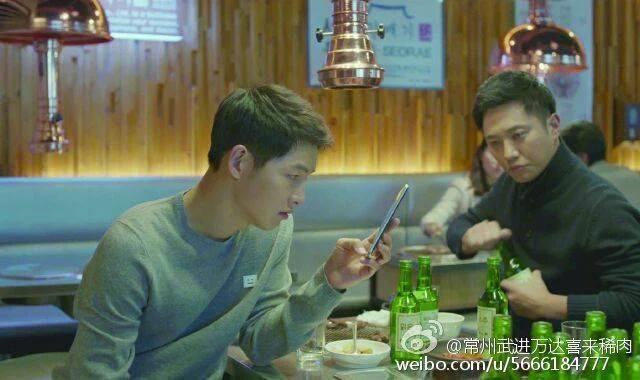 Hậu Duệ Mặt Trời tập 13: Song Joong Ki bị thương nặng khiến Song Hye Kyo hoảng hốt 12