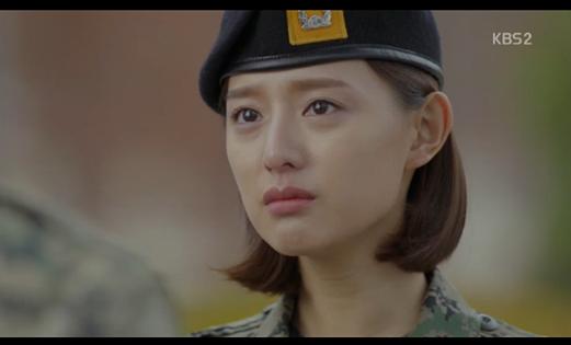 Hậu Duệ Mặt Trời tập 13: Song Joong Ki bị thương nặng khiến Song Hye Kyo hoảng hốt 26