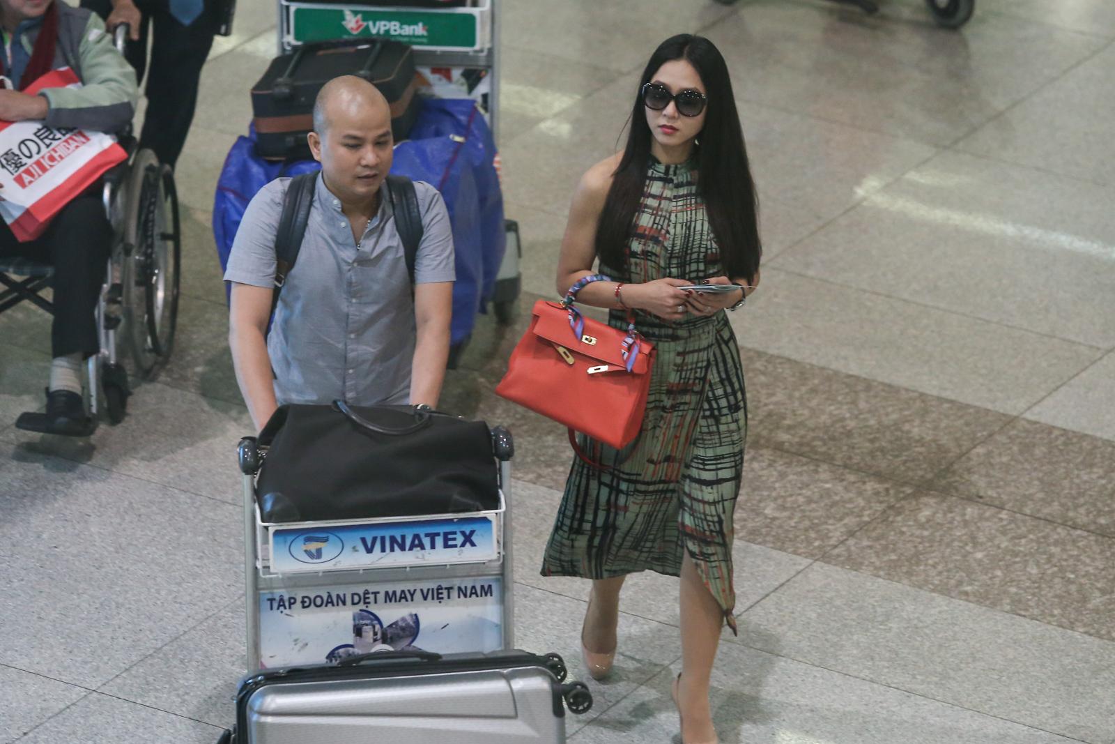 Hà Thanh Xuân xinh đẹp, nổi bật tại sân bay với túi Hermes trăm triệu 3