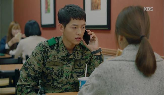 Hậu Duệ Mặt Trời tập 13: Song Joong Ki bị thương nặng khiến Song Hye Kyo hoảng hốt 19