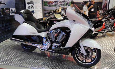 Victory Vision Tour, mô tô siêu độc có giá trên dưới 1 tỉ tại Việt Nam 1