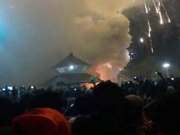 Ấn Độ: Cháy đền thờ, hơn 300 người thương vong 1