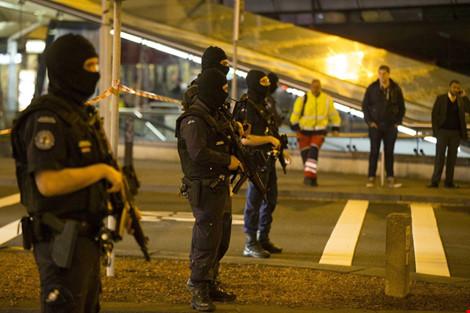 Hà Lan: Phong tỏa sân bay do nghi ngờ có bom 2