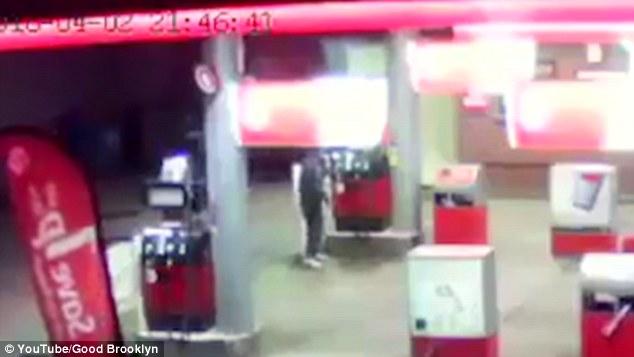 Người đàn ông tự thiêu ở trạm xăng 2