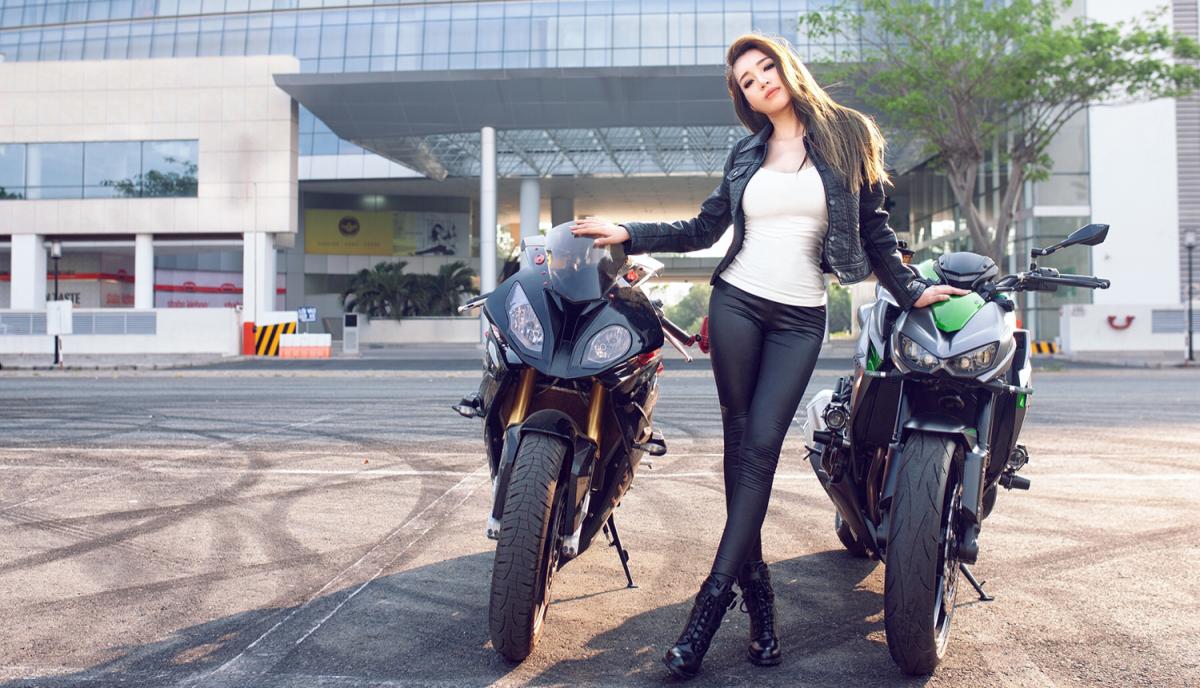 Ngắm Elly Trần khoe dáng đồng hồ cát bên xe mô-tô phân khối lớn 4